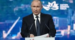 بوتين يفتتح طريقا سريعا للسيارات في القرم