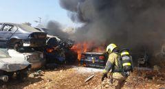 كفرياسيف: اندلاع حريق بسيارات في مجمّع للخردة