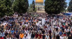 نحو 70 الف مصل يؤدون صلاة الجمعه الرابعه والاخيرة من شهر رمضان المبارك