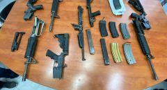 ضبط اسلحة وذخيرة واعتقال مشتبهين في منطقة الناصرة