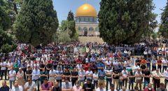 50 الف مصل يؤدون صلاة الجمعة في المسجد الاقصى المبارك