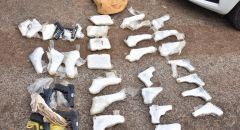 الشرطة تعتقل 3 تجار أسلحة بعد مطاردة بوليسية بحوزتهم 33 مسدسًا قرب العفولة