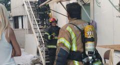 إصابة خطيرة لسيدة اثر استنشاقها الدخان جراء حريق منزلها في اللد
