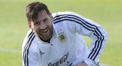 رغم التهديدات.. تسريب بند سري جديد في عقد ميسي مع برشلونة