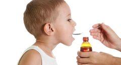 إليكِ طرق جديدة لتشجيع طفلك الدارج على إطعام نفسه
