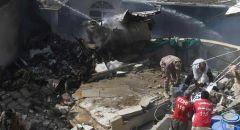 97 قتيلاََ في تحطم الطائرة الباكستانية
