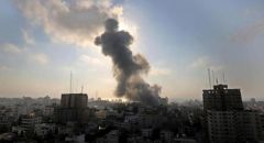 اطلاق قذيفة صاروخية من غزة تجاه مستوطنات الغلاف والجيش الإسرائيلي يقصف عدة مواقع في القطاع
