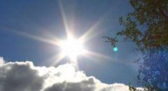 حالة الطقس: البلاد تتأثر بكتلة هوائية جافة والحرارة أعلى من معدلها بحدود 9 درجات