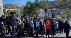ام الفحم: صلاة جمعة حاشدة في ساحة البلدية وتظاهرة رفضا للعنف الجريمة