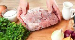 3 طرق سريعة وآمنة لإذابة اللحم المجمّد