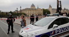 فرنسا:  تصفية رجل هاجم أفراد الشرطة بسكين شمالي باريس
