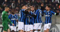 وزير الرياضة الإيطالي يعلق على مطالب إيقاف الدوري