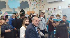 النائب د. احمد الطيبي يدلي بصوته في مدينة الطيبة
