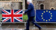"""مشرع: الاتحاد الأوروبي يحتاج """"خطة رئيسية"""" لانتزاع خدمات اليورو من لندن"""