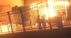 شجار بين عائلتين في طرعان واندلاع النيران بسيارة ومنزل