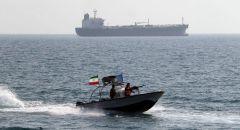 قصف سفينة حربية تابعة للأسطول الإيراني بنيران صديقة