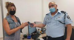 الشرطة تعتقل مشتبهًا من كفار سابا بشبهة سرقة هاتف لسيدة في الطيرة