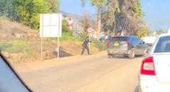 اكسال: توثيق بالفيديو الشرطة تطلق الرصاص على سيارة خلال مطاردة بوليسية واعتقال شاب من الشبلي