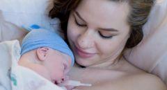 الأسرار المذهلة لملامسة جلد الأم ورضيعها