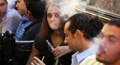 """هل المدخن أكثر عرضة للإصابة بـ """"كوفيد-19""""؟"""