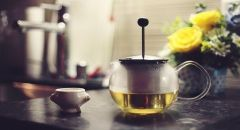 الشاي الأخضر يمكن أن ينهي مشكلة تساقط الشعر لدى النساء والرجال