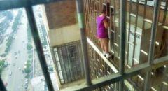 اللد ,, تخليص طفلة علق رأسها بجدار حديدي داخل روضة