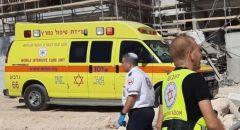 اصابة عامل بجراح اثر سقوطه عن ارتفاع اثناء عمله في كوخاف يائير
