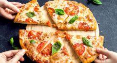 طريقة عمل البيتزا في البيت سهلة