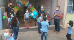 مع العودة الجزئية للمدارس: النائب جبارين يزور عددًا من المدارس الابتدائية