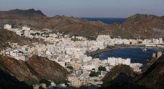 سلطنة عمان تعيد فتح المنافذ البرية والجوية والبحرية اعتبارا من الثلاثاء المقبل