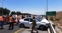 كريات شمونة : تخليص عالقين من داخل سيارة بحادث