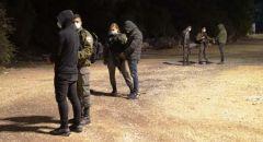 النقب ,, اعتقال 3 مشتبهين بتهريب اسلحة