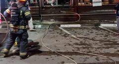 اضرام النار بالمحل التجاري في مدينة طمرة بعد اطلاق النار عليه ليلة امس