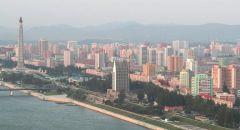 الكوريون الشماليون يضعون الكمامات في تجمع.. وتساؤلات حول وضعهم الصحي