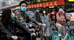 امرأة من ووهان تقاضي حكومة الصين بعد وفاة والدها بكورونا