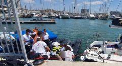 عمليات انعاش لرجل تم انتشاله من البحر في هرتسليا