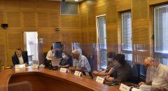 رئيس لجنة حقوق الطفل: وزارة المعارف لم توزع حتى الآن حاسوبًا واحدًا