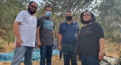 نواب الجبهة ونشطاؤها يشاركون بمبادرة قطف الزيتون في الضفة الغربية