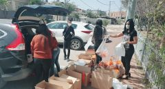 طوبا  زنغرية -  توزيع  طرود غذائية وحلويات ومجففات بمناسبة اقتراب العيد على نادي الجيل الذهبي
