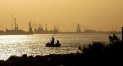 العراق: غرق الباخرة الإيرانية لن يؤثر على الممر الملاحي