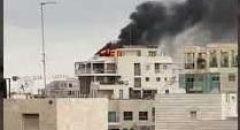 اندلاع حريق بعمارة سكنية في تل ابيب