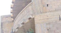 اصابة عامل بجراح خطيرة اثر سقوطه عن علو في بلدة سولم
