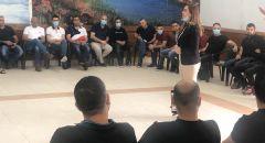 """النائب سندس صالح تجتمع بسائقي الباصات العرب في شركة """"كڤيم"""" وتبحث في الاجحاف اللاحق بهم"""