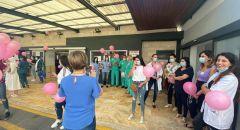 بلدية وأهالي الناصرة يطلقون بالونات وردية للتوعية بأهميّة الكشف المبكّر عن سرطان الثدي