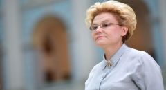 """طبيبة روسية تتحدث عن كمية مضادات قد تمنع إصابات متكررة بـ""""كوفيد - 19"""""""