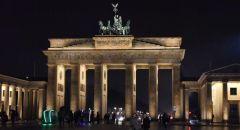 ألمانيا.. تظاهرات حاشدة ضد قيود كورونا وإصابات في صفوف الشرطة