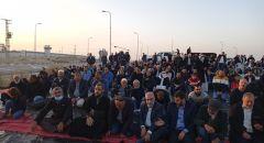 تضامنًا مع الشيخ رائد صلاح المئات يشاركون في الافطار الرمضاني امام سجن ريمون