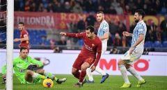 لاعبو روما يتنازلون عن راتب شهر لدعم ناديهم