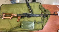 ضبط أسلحة وذخيرة وقنابل في اللد والرملة واعتقال مشتبهين