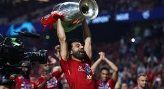 """""""الملك يرفع أغلى الكؤوس الأوروبية"""".. ليفربول يستعيد ذكريات التتويج بدوري الأبطال 2019"""